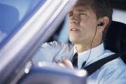 Direksiyonda Kulaklıkla Konuşmak
