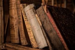 İç Dekorasyon Ve Kitaplar
