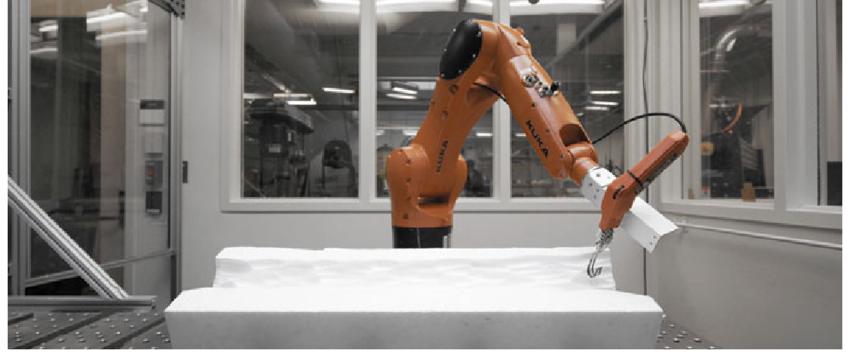 sanatçı robot, helkeltraş robot, robot heykel yapıyor